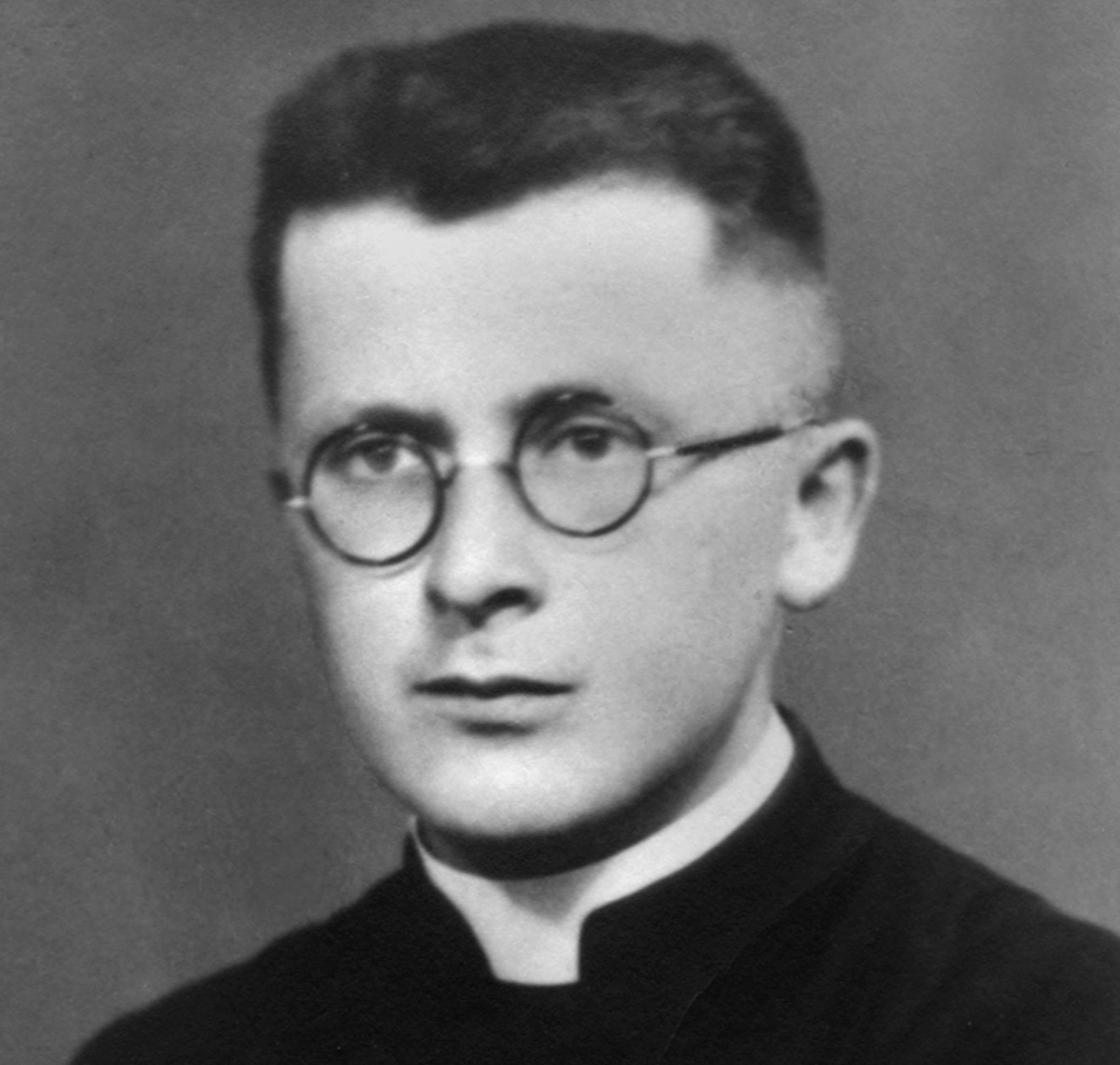 Bonifacio_sacerdote